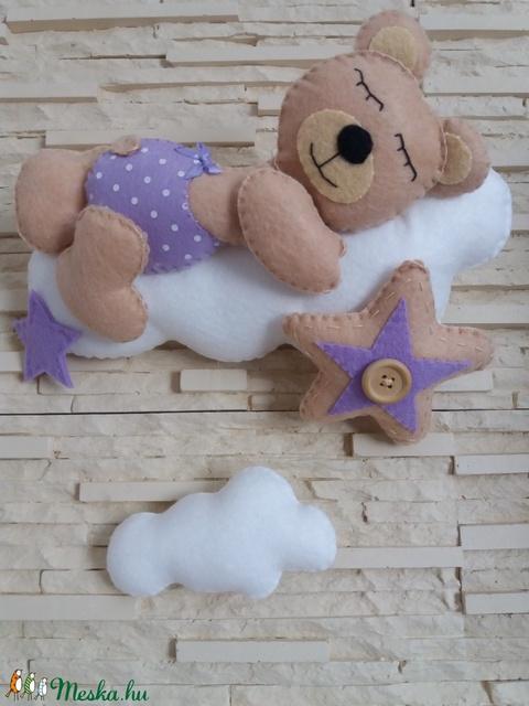 Babaszoba dekoráció - maci felhőn (lila) - Meska.hu
