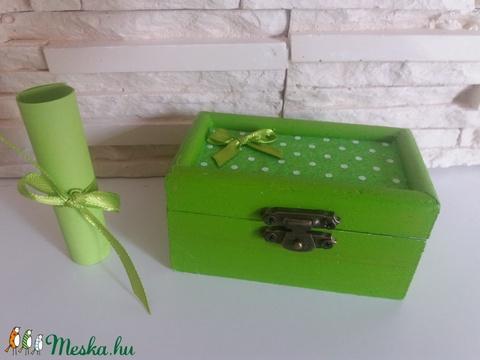 Vidám fa dobozka - limezöld színben - Meska.hu