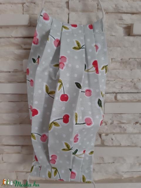 Gyermek textil maszk - pasztellzöld, cseresznyés - Meska.hu