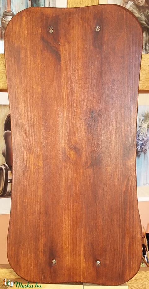 Öregített tál - fogantyúval ellátott rusztikus fenyőtál sötétbarna színben (BohemKucko) - Meska.hu
