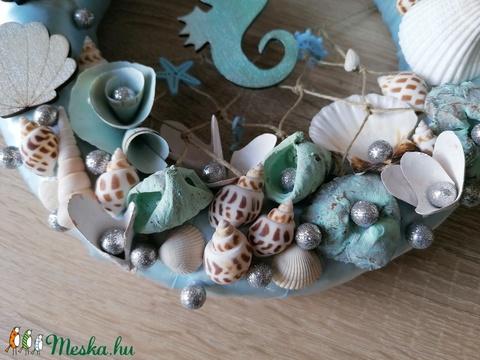 Kék csikóhalas nyári ajtódísz, kopogtató - nyári dísz, dekor, ajtóra - Meska.hu