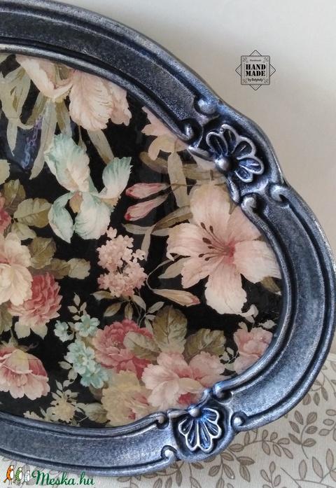 Romantikus, virágmintás kínálótálca, barokkos, kagyló mintás szegéllyel (Bolyboly) - Meska.hu