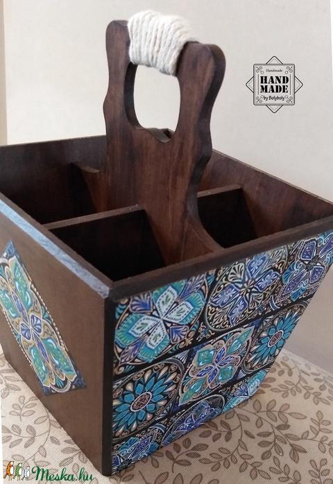 Különleges 4 rekeszes tartó türkiz csempemintás díszítéssel, barna felülettel - nem csak evőeszközöknek (Bolyboly) - Meska.hu