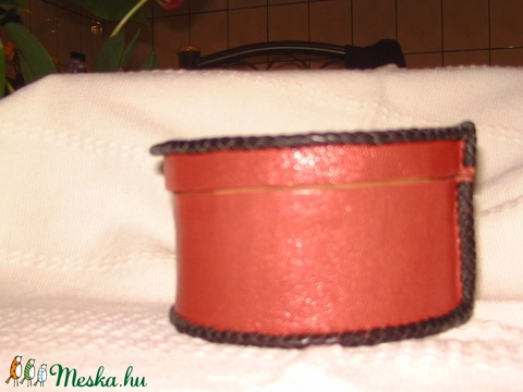 Klasszikus piros-fekete doboz (borboszi) - Meska.hu