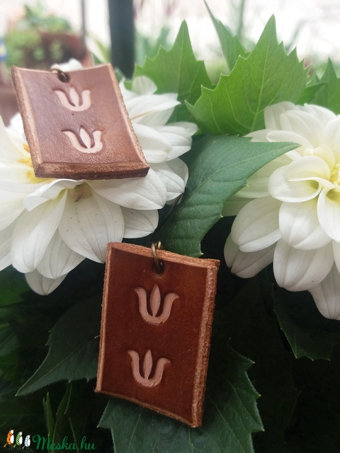 Cicás, tulipános  fülbevalók - Meska.hu
