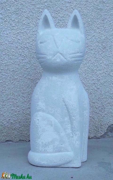 Nagy macska - egyedileg kézzel faragott kültéri szobor (60cm magas)  (Boriboszi) - Meska.hu