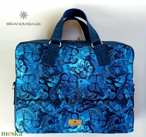 Kék pillangós vízálló női laptop táska (BrandM) - Meska.hu