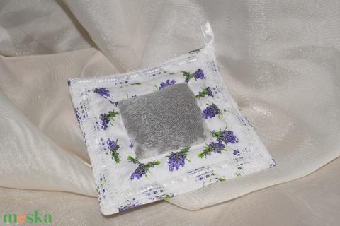 Levendula illatpárna (brigola) - Meska.hu