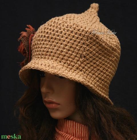 HAGYMÁCSKA / mogyoró - horgolt kalap (brokat) - Meska.hu