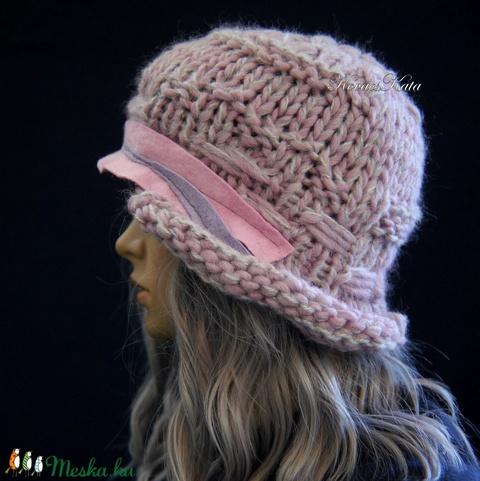 CLOCHE-ART kötött kalap /  ametiszt-szürke (brokat) - Meska.hu