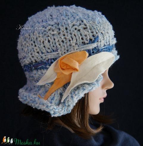 CLOCHE-ART kötött kalap /  világos-kékek (brokat) - Meska.hu