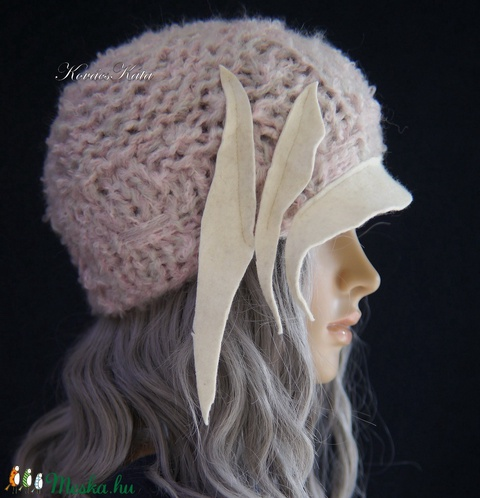 CLOCHE-ART - extravagáns kézzel kötött kalap, sapka / púder (brokat) - Meska.hu