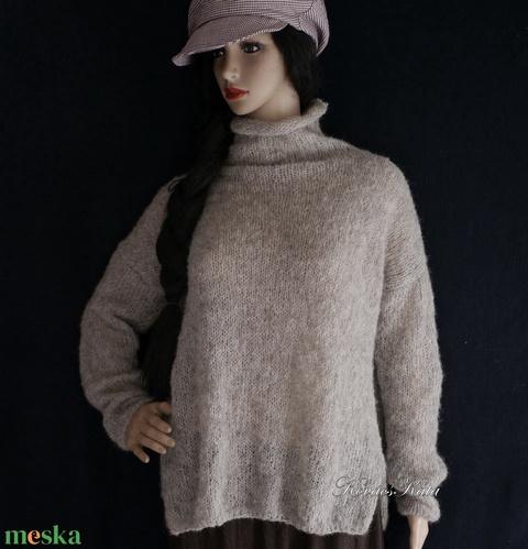 ALPAKA-PULCSI - exkluzív kézzel kötött pulóver / babarózsa TEKNŐC (brokat) - Meska.hu