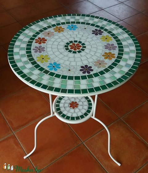 Mozaik virágos asztal (bubantne) - Meska.hu
