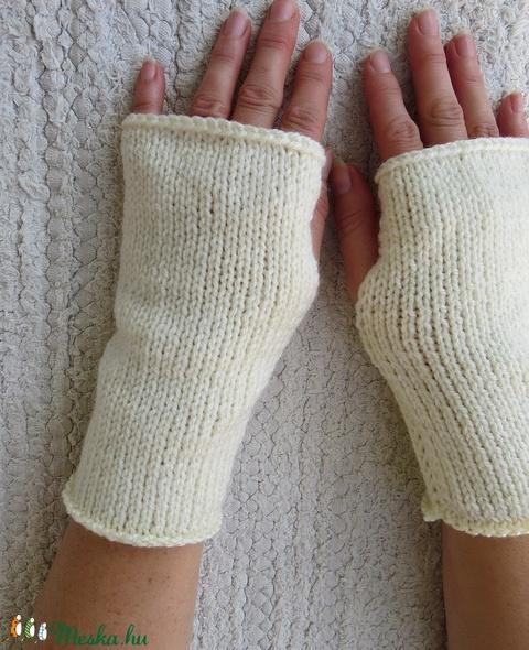 Beed- kötött kézmelegítő S-M méretű. Puha, meleg kötött kézmelegítő/ ujjatlan kesztyű (ChristieHomemade) - Meska.hu