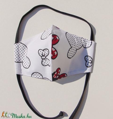 Gyermek- maszk / Fehér alapon  Minnie mintás szájmaszk, textil szájmaszk, többször használható szájmaszk (ChristieHomemade) - Meska.hu