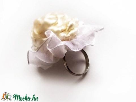 Az Angyal gyűrűje - Meska.hu