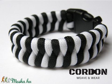 Halszálka paracord karkötő - fekete-fehér (CordOn) - Meska.hu