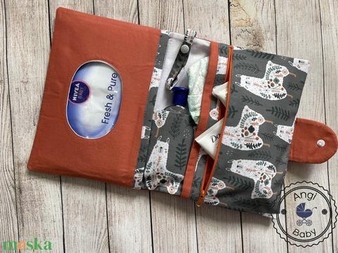 Prémium designer pelenkatartó táska + pelenkázó alátét szett - Meska.hu