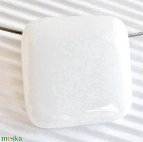 Hófehér üveg kocka medál és fülbevaló orvosi fém bedugón, üvegékszer szett - Meska.hu