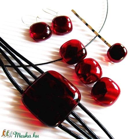 Rubin vörös maxi franciakapcsos kocka üveg fülbevaló orvosi fém akasztón, üvegékszer - Meska.hu