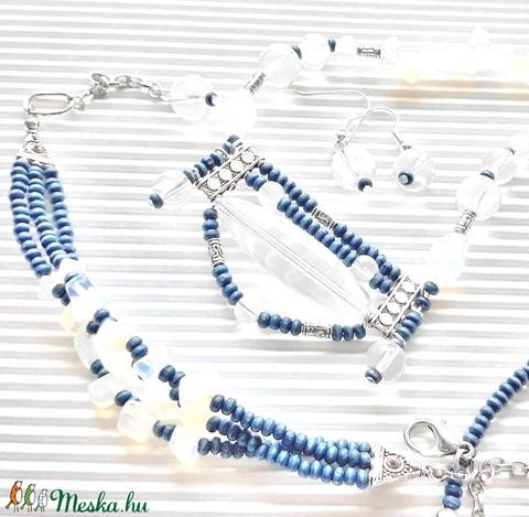 Blue jeans gyöngy karkötő, üveggyöngy, fagyöngy - ékszer - karkötő - gyöngyös karkötő - Meska.hu