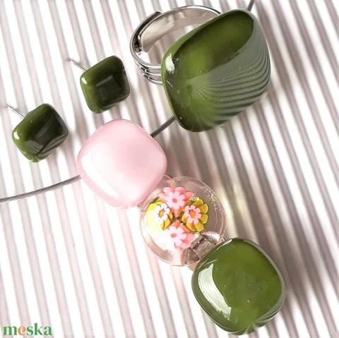 Romantikus vintage virág-gyöngysor üveg medál, nyaklánc, millefiori, virág, üvegékszer - Meska.hu