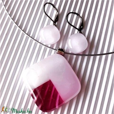 Nemesacél: Tulipánbimbó rózsaszín-málnában mozaik üveg medál és franciakapcsos fülbevaló, üvegékszer szett  - Meska.hu