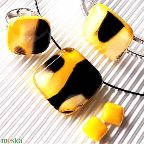 Holdfény sárgában üveg kocka medál, gyűrű, karkötő és fülbevaló orvosi fém bedugón, üvegékszer szett - Meska.hu