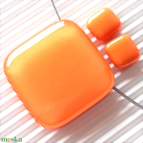 Selymes mandarin kocka üveg medál és fülbevaló orvosi fém bedugón, üvegékszer szett - Meska.hu