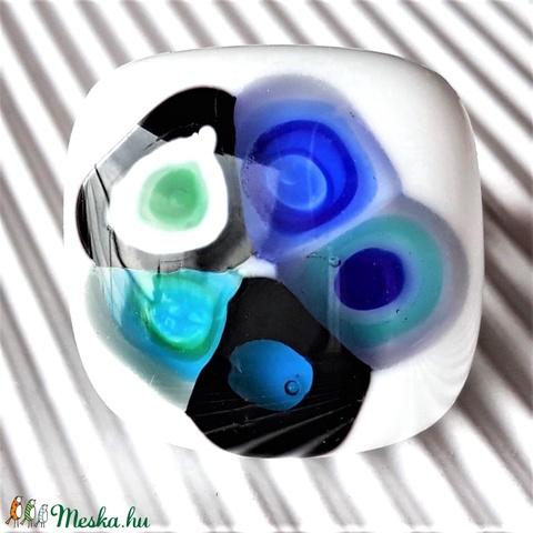 Hundertwasser türkiz-kékben, hófehér üveg gyűrű, üvegékszer - Meska.hu