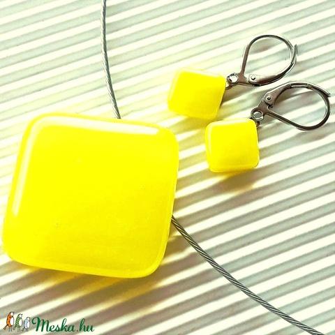 Citromsárga üveg medál és franciakapcsos fülbevaló orvosi fém akasztón, minimal, üvegékszer szett - Meska.hu
