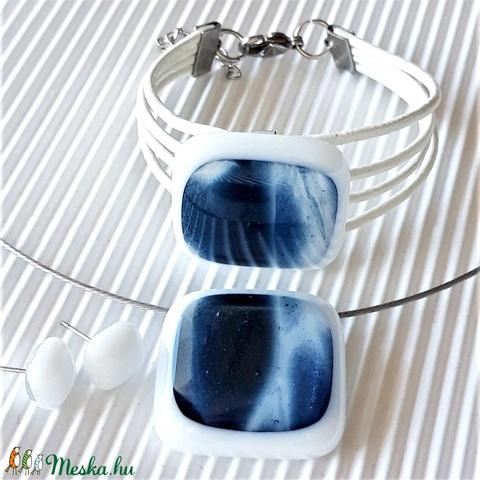 Kék csillám hófehérben üveg medál és fülbevaló, NEMESACÉL/ORVOSI FÉM, üvegékszer szett - Meska.hu