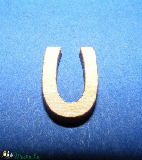 Rusztikus fa betű (20x15 mm) - U - Meska.hu