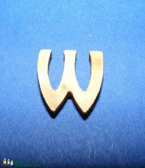 Rusztikus fa betű (20x15 mm) - W - Meska.hu
