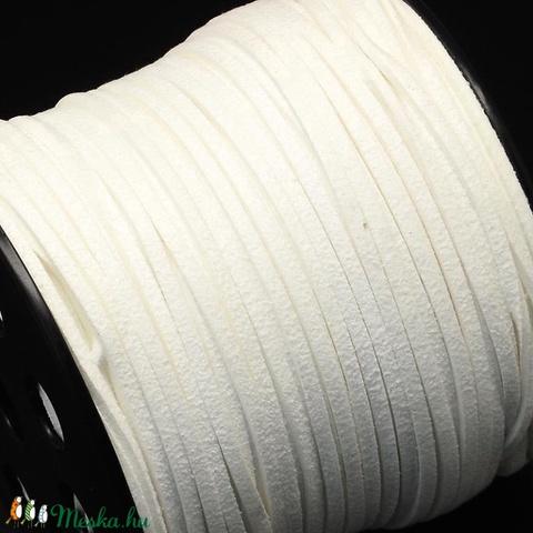 Szarvasbőr utánzat-11 (2,7x2 mm/1 m) - fehér - Meska.hu
