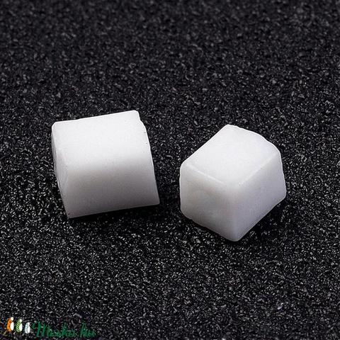 Szögletes gyöngy (21. minta/15 g) - fényes fehér - Meska.hu