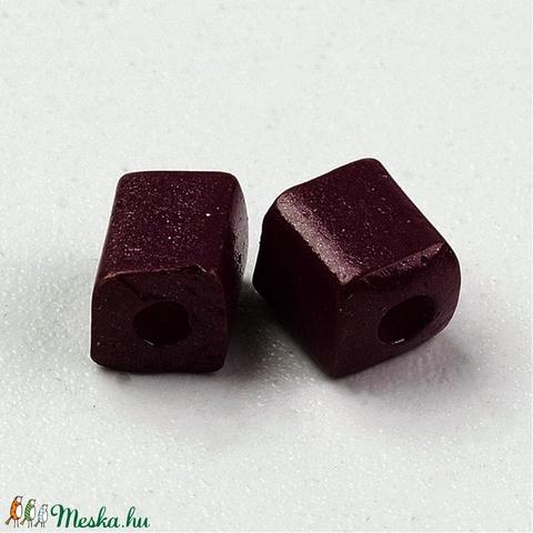 Szögletes gyöngy (29. minta/15 g) - extra sötétlila - Meska.hu