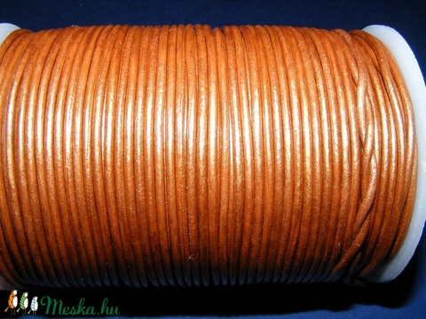 Hasított bőrszíj - 2 mm (17. minta/1 m) - óarany (metál) - Meska.hu