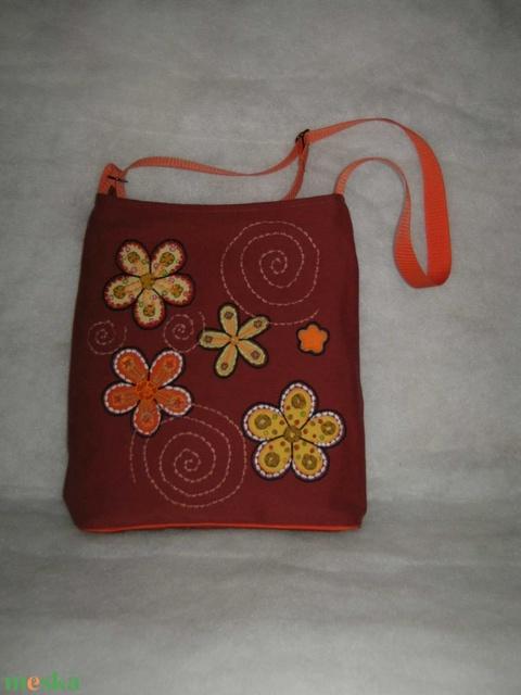 Terakotta barna himzett táska (danvikici) - Meska.hu