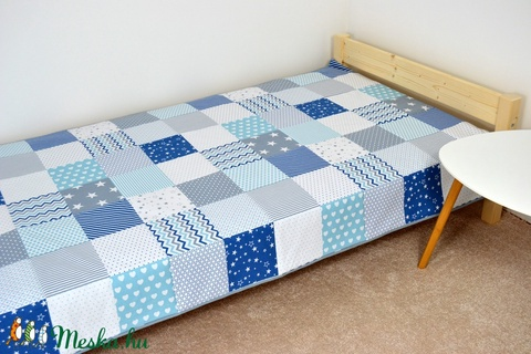 Világoskék patchwork ágytakaró (decokid) - Meska.hu