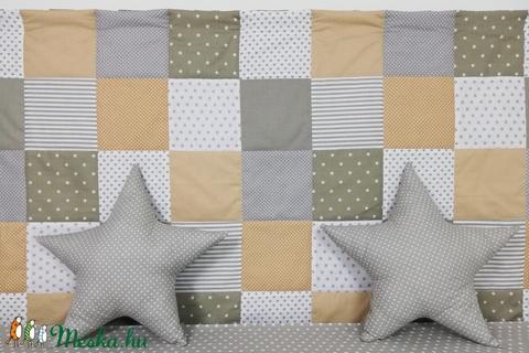 Szürke-drapp patchwork falvédő - Meska.hu