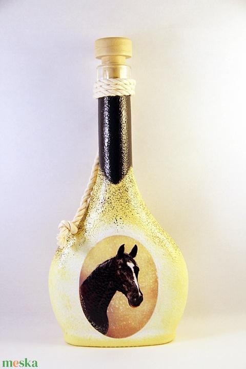 Ló motívummal díszített dugós  pálinkás üveg ( 0,2 l )  - otthon & lakás - dekoráció - díszüveg - Meska.hu
