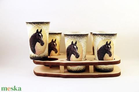 Ló motívummal díszített  pálinkás szett . (6x50 ml pohár +tartó )  - otthon & lakás - konyhafelszerelés - pohár - Meska.hu