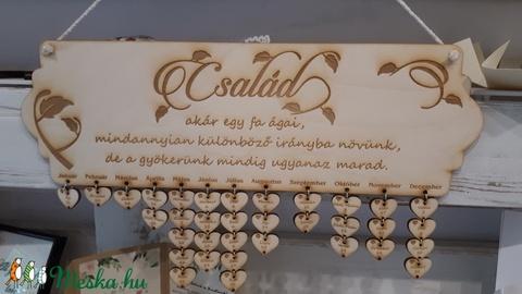 Családi ünnepek naptár (dejografika) - Meska.hu