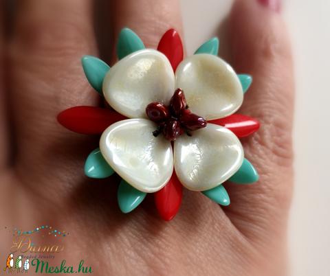 Ian gyűrű - Türkiz és vörös  - ékszer - gyűrű - gyöngyös gyűrű - Meska.hu