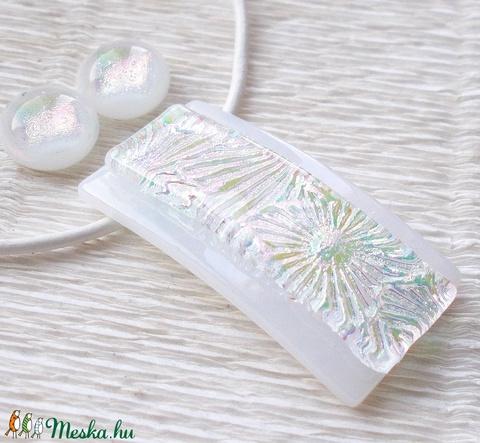 Szivárványos fehér ékszerszett, díszdobozba csomagolva, névnapra, születésnapra. (Dittiffany) - Meska.hu