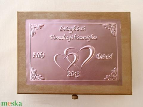 Tréfás doboz lánybúcsúra külső és belső felirattal, cédulákkal - Meska.hu