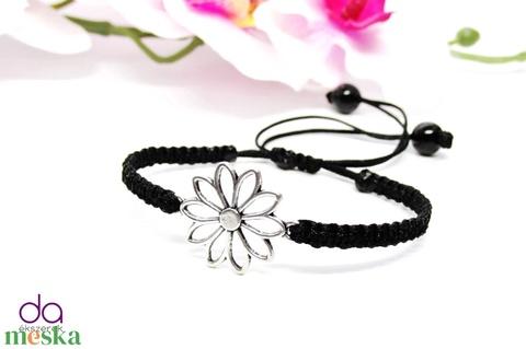 Karkötő virág motívummal - fekete - Meska.hu