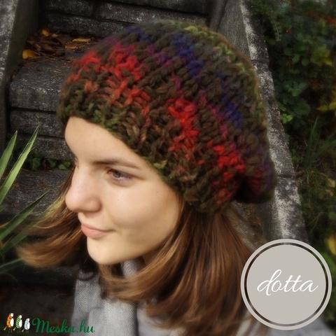 Kilt moha hatású kötött gyapjú sapka zöld piros lila színekben (DottaLoops) - Meska.hu